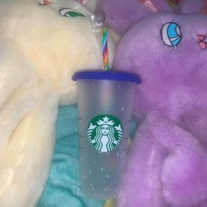 Changing confetti Starbucks cup